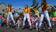 """1. jūnijā, par godu Starptautiskajai bērnu aizsardzības dienai, Pļaviņu pļavā skaisti, silti un saulaini svinējām Bērnu svētkus """"Iegriežam vasaru!"""" – īpaši veltīta visiem bērniem. Norisinājās dažādas spēles un atrakcijas lieliem […]"""