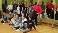 """novembrī deju grupas """"CRYSTAL"""" pārstāvji piedalījās Londonas dejotāja un horeogrāfa Maikla Bagsija (Michael Bagsy) intensīvajā meistarklasē.  Maikls Bagsijs savu dejas meistarību veidojis, apceļojot Lielbritāniju un daudzas citas valstis, kā […]"""