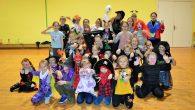 """31. oktobrī deju studijas DANCING CRYSTAL """"SninyCrystal"""" grupas dejotājiem un viņu draugiem deju nodarbība notika HELOVĪNA stilā. Uz treniņu visi ieradās Helovīnam atbilstošā tērpā. Daži dalībnieki bija izvēlējušies savu deju […]"""